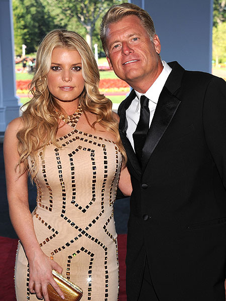 Extra Scoop: Joe Simpson Charged with DUI