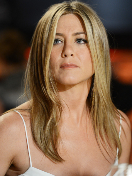 Jennifer Aniston, Mole Hunter?