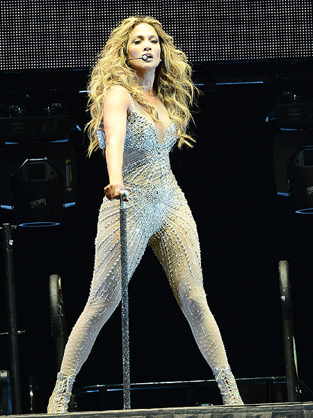 Exclusive! Jennifer Lopez to Release 3D Concert Film