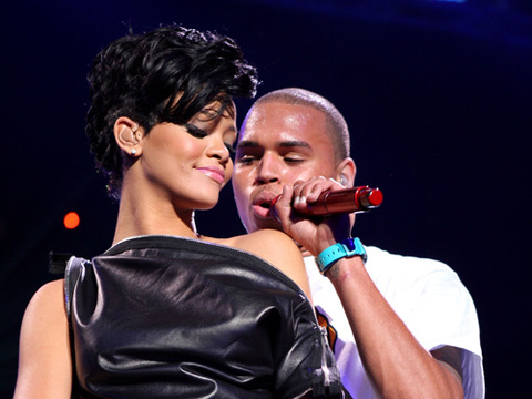 Rihanna and Chris Brown's Club Makeout Session