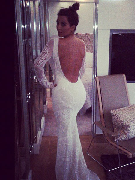 Photo! Kim Kardashian in Wedding Dress Fitting