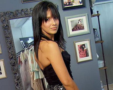 Photos! Hilaria Baldwin Models at Fashion Week