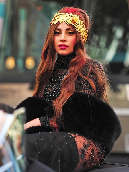 FFN_Gaga_Lady_AAR_091312_50885616
