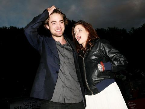 Robert Pattinson and Kristen Stewart Living Together?