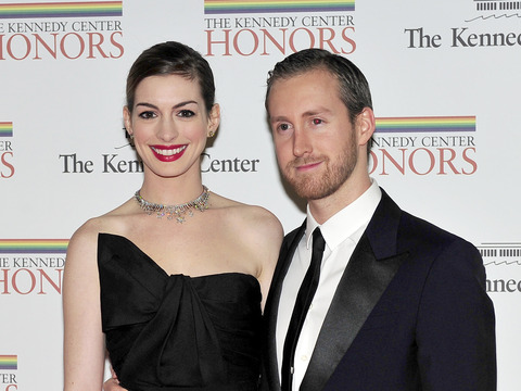 Anne Hathaway Weds Longtime BF Adam Shulman