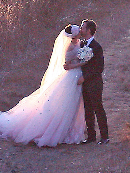 Anne Hathaway's Wedding Album: The Dress, Kiss and More!