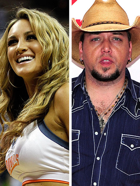 Jason Aldean Country Kiss Causes Kerr to Quit Twitter
