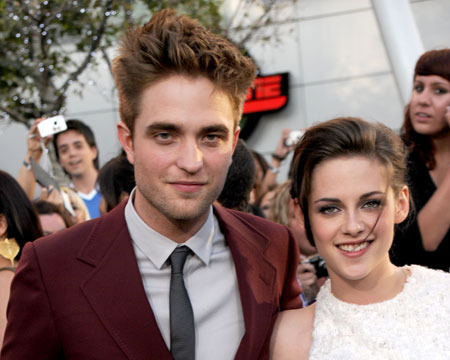 Extra Scoop: RPatz and KStew to Appear Together Oct. 28