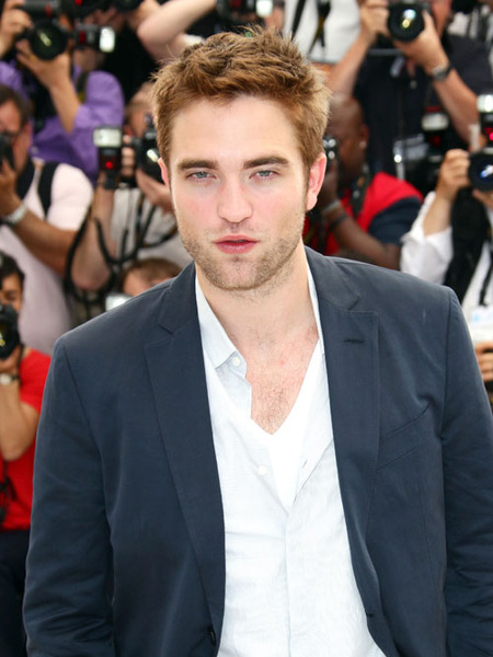 Rob Pattinson Spotted Having Dinner with Mystery Blonde in NYC