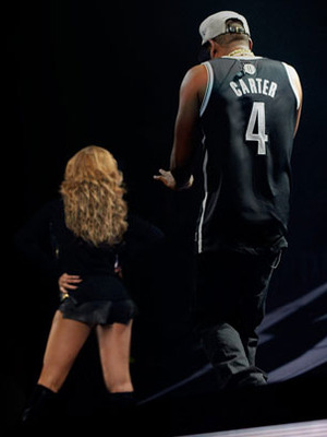 Extra Scoop: Jay-Z Distracted Onstage by Leather-Clad Beyoncé