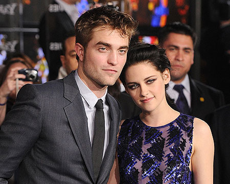 It's On! Robert Pattinson and Kristen Stewart Are a Couple Again