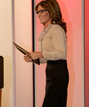 Extra Scoop: Sarah Palin Says She's Writing a Fitness Book