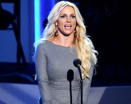 Whitney Houston: Britney Spears, Jennifer Hudson Pay Tribute