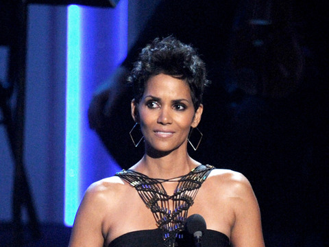 Halle Berry Exclusive: 'I'm Related to Sarah Palin'