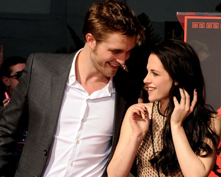 Kristen Stewart, Robert Pattinson Talk Sex in First 'Breaking Dawn 2' Interview!