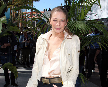 Extra Scoop: LeAnn Rimes Breaks Down on 'Katie Couric'