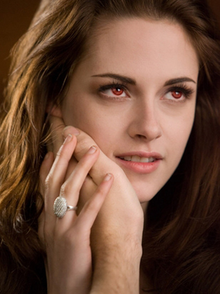 'Breaking Dawn 2' Clip! Bella's Vampire Lessons