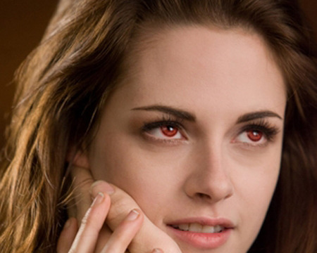 'Breaking Dawn 2' Clip! Bella's Vampire Lessons
