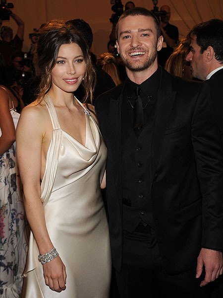 Extra Scoop: Jessica Biel and Justin Timberlake Honeymoon in Africa