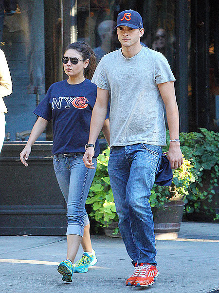 Extra Scoop: Ashton Kutcher and Mila Kunis' Down Under Getaway