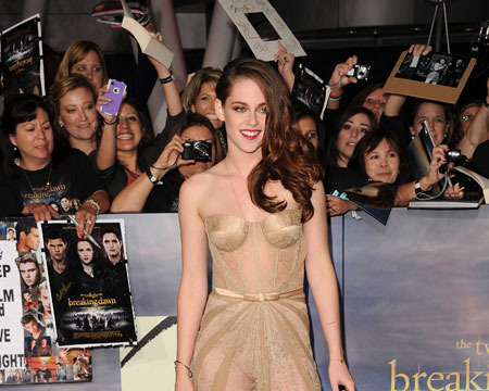 'Twilight' Mania: 'Breaking' Set to Break Box Office Record