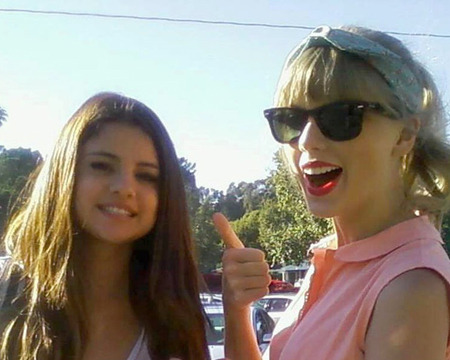 Taylor Swift on Selena Gomez: 'She's Like My Sister'