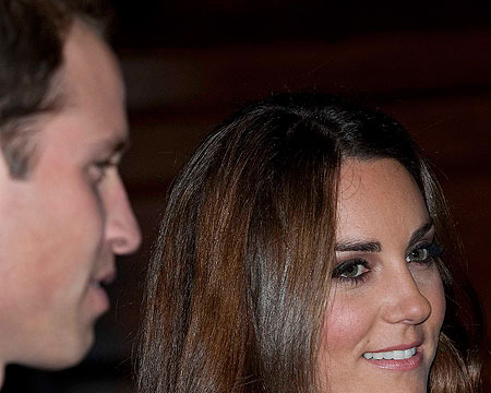 Extra Scoop: Baby Announcement for Kate Middleton and Prince William?