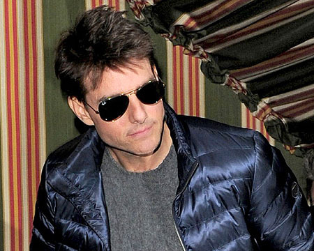 Extra Scoop: Tom Cruise Reunites with Daughter Suri