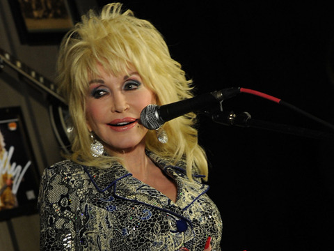 Dolly Parton Defends Close Friendship, Denies Lesbian Rumors