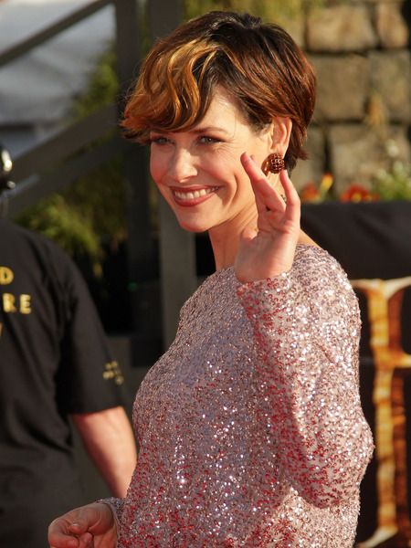 Evangeline Lilly Shows Off Dramatic New Haircut at 'Hobbit' Premiere
