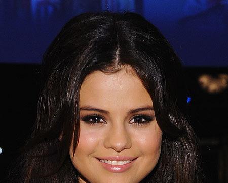Selena Gomez on Recent Hospital Visit: 'I Feel Fine'