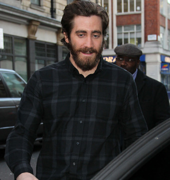 Video! Jake Gyllenhaal Talks 'End of Watch,' New Eyes Charity and More