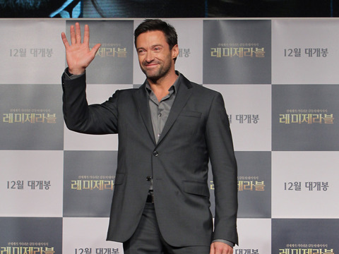 Hugh Jackman and Russell Crowe on Singing Live