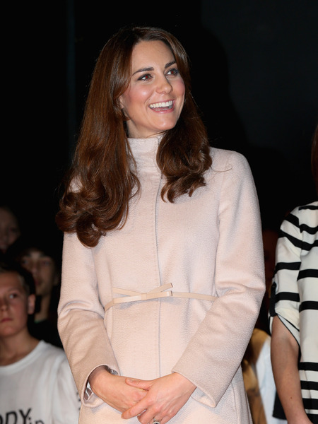 Pregnant Kate Middleton Hospitalized!