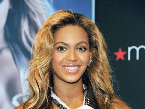 Video! Beyonce's Intimate Moments Revealed in HBO Docu
