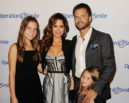 Brooke Burke Recovering After Thyroid Surgery, Says 'I'm Clean'