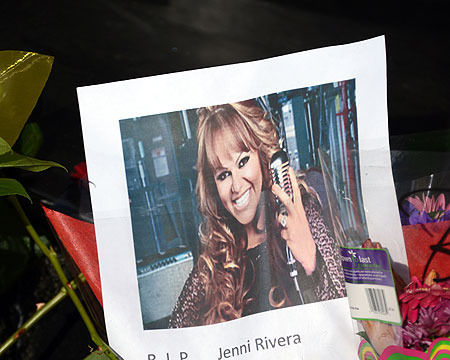 Extra Scoops: Jenni Rivera Private Jet Had History of Malfunction