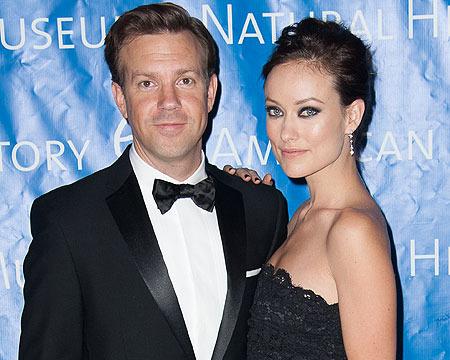 Extra Scoop: Olivia Wilde Says She's 'Not Engaged' to Jason Sudeikis