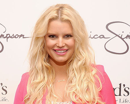 Extra Scoop: Jessica Simpson Reveals Her Weight Watchers Body
