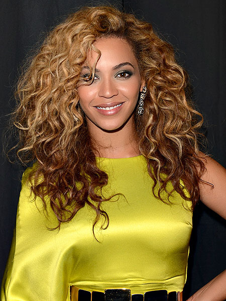 Beyonce to Celebrate Super Bowl Ha