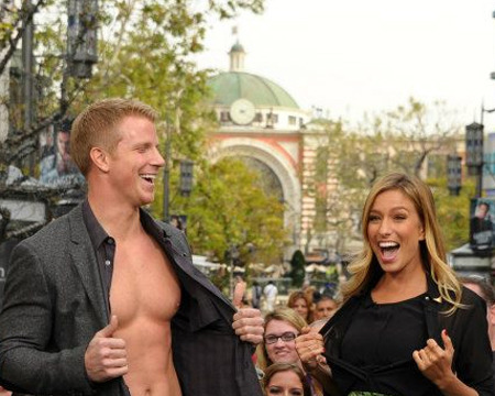 Video! 'Bachelor' Sean Lowe, Shirtless for 'Extra'!