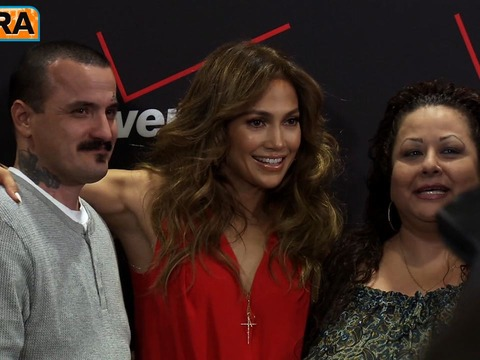 Video! Jennifer Lopez in Fan Meet-and-Greet for Verizon