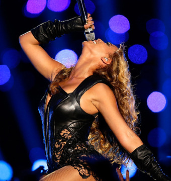 Hot! Beyoncé's Super Bowl Halftime Show and Reunion with Destiny's Child