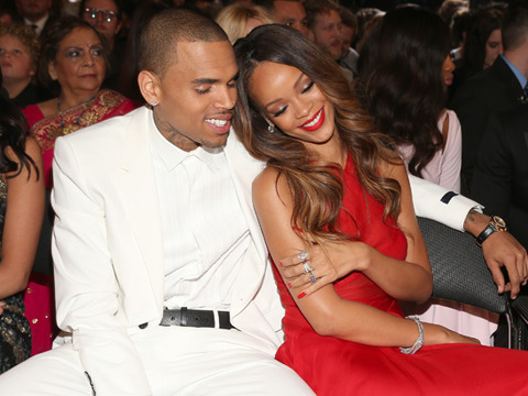 Grammy Awards: Chris Brown Snuggles with Rihanna, Disses Frank Ocean