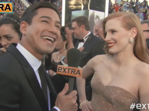 'Extra' at the Oscars! Catch the Red Carpet Action