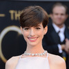 Anne Hathaway Threw a Pre-Oscar Fit Over Amanda Seyfried's Dress?
