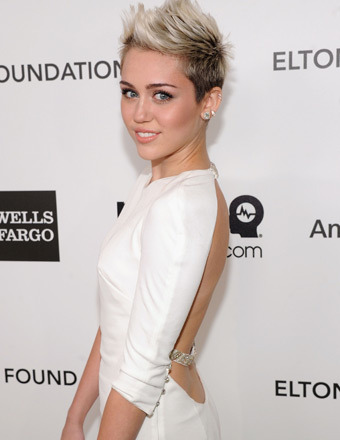 Miley Cyrus Spotted Without Engagement Ring Amid Split Rumors
