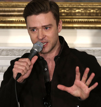 Video! Justin Timberlake 'Sittin' on the Dock' with First Family