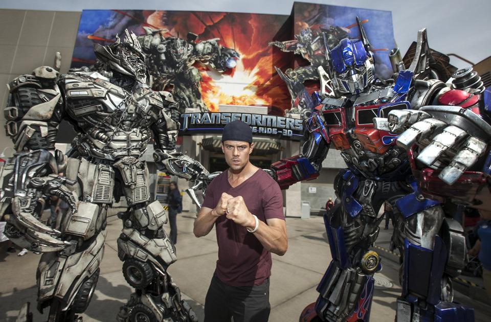 Video! Josh Duhamel Rides 'Transformers' at Universal ...  Video! Josh Duh...