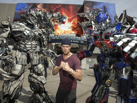Video! Josh Duhamel Rides 'Transformers' at Universal Studios